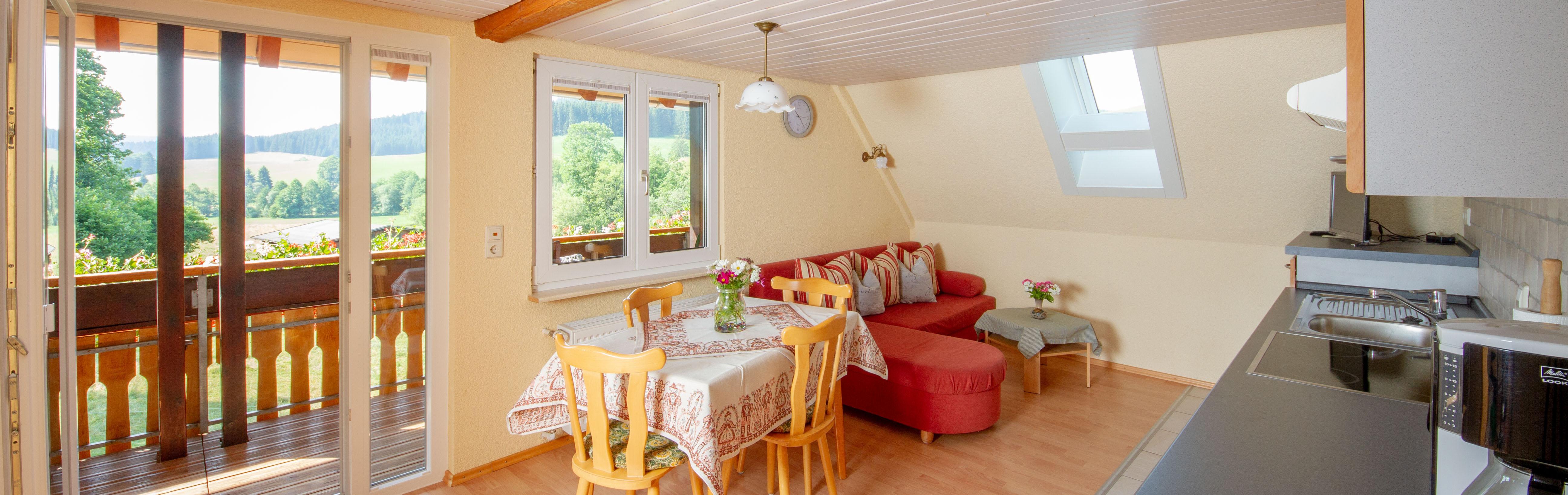 Slider: Wohnküche der Ferienwohnung Kamille - Josenmuehle